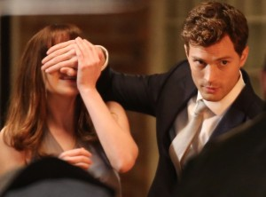 rs_1024x759-140117151237-1024.jamie-dornan-dakota-johnson-50-shades.ls.11714_copy