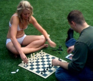 Model_playing_chess